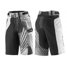 Short VTT Liv Tangle Baggy Shorts